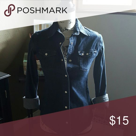 Denim shirt Carhartt snap button denim shirt. Would be super cute with white skinny jeans! Carhartt Tops Button Down Shirts