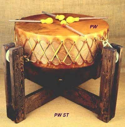 POW WOW DRUM  Pow Wow Drum from the Sioux Indians. Un powwow, pow wow o pow-wow es una reunión de pueblos indígenas de Norteamérica. El término deriva de powwaw que significa 'líder espiritual'.