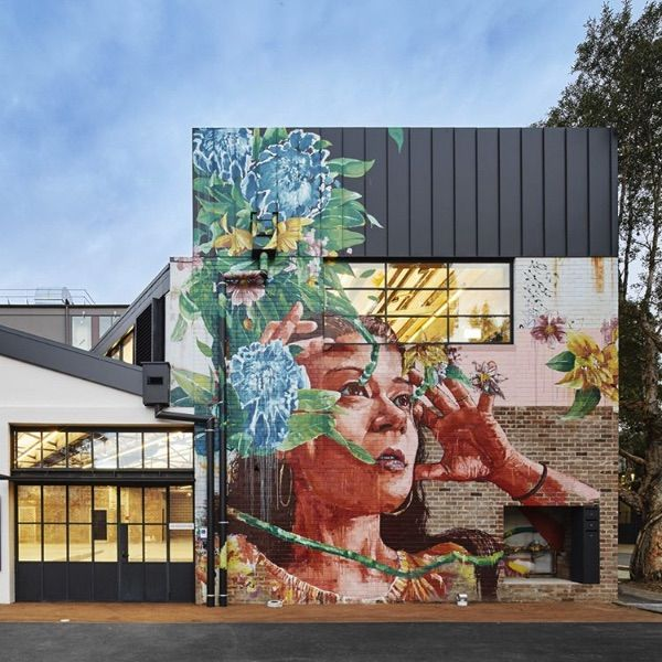 This Project features our elZinc Black in Angle Standing Seam Location: Alexandria, NSW In collaboration with: @h_e_architects W Property @njelectrical Artwork: @fintan_magee