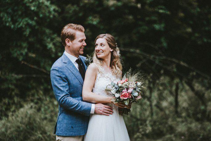 Die Vegane Traumhochzeit Von Eline Adam In Aachen Schone Blumenstrausse Braut Hochzeit