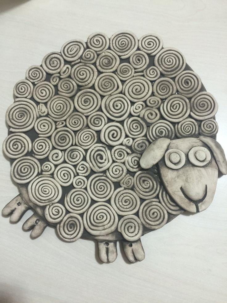ceramics sheep pinterest pottery pottery techniques and ceramic animals. Black Bedroom Furniture Sets. Home Design Ideas