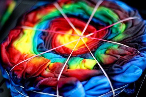 tie dye shirts: Ties Dyes Shirts For Kids, Tie Dye Shirts, Ties Dyes Shirts Rainbows, Teen Parties, Ties Tye Shirts, Feelings Crafty, Fun Crafts, Tye Dyes Things, Bright Colors
