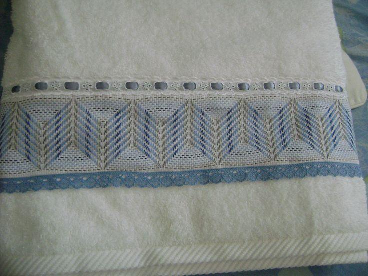 Toalla con bordado yugoslavo