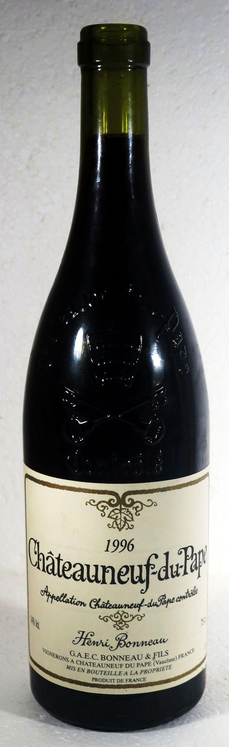 """13. Juni 2016 - Domaine Henri Bonneau: Châteauneuf-du-Pape 1996, Rhone, Frankreich -- Henri Bonneau – kürzlich gestorben – ist ein Spitzenwinzer von der Rhone, seine Weine sind Kult: «Henri Bonneau gehörte zu den legendären, traditionellen Winzern Frankreichs und genoss weltweit einen hochangesehenen Ruf. Um seine Weine kaufen zu """"dürfen"""" bedarf es jahrelange, freundschaftliche Beziehungen», so lese ich auf «Mybestwine». Der Wein ist also nicht nur teuer, sondern vor allem rar."""