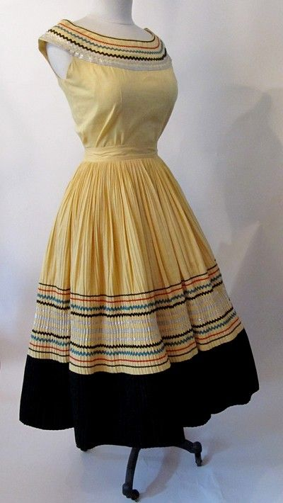The Best 1950's Two Piece  Patio Dress or Squaw dress VLV bombshell  Vintage Western  Rockabilly girl Size Medium