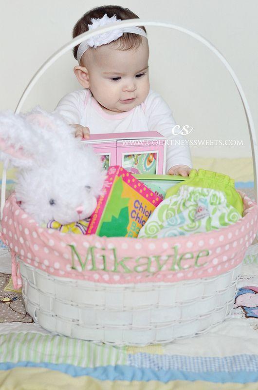 Das erste Ostern des süßen Babys! – Neugeborene Fotografie Bildideen – #Baby #Bab …  – baby