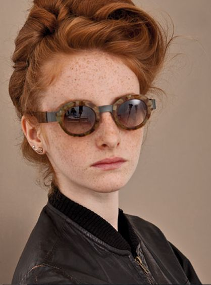 For the crafty, the serious, the self-confident and the free spirits: Anne et Valentin work to create noble and radical eyewear. Delighted to be yourself!