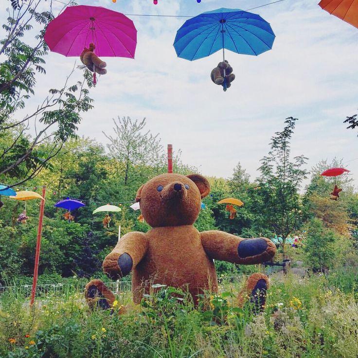 "54 Likes, 1 Comments - StyleAttic.uk (@styleattic.uk) on Instagram: ""🙌🏼🍾✈️ 🎈#weekend #festival #travel #explore #wanderlust #trip #europe #amsterdam #city #break…"""