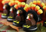 Cute Fondant Turkey | Cute and yummy cookie/candy turkeys! #thanksgiving #fall #autumn # ...