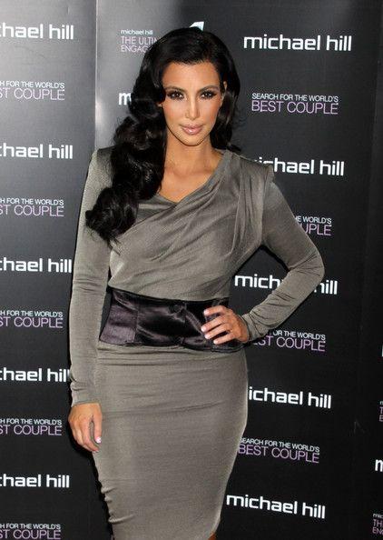 Kim Kardashian - Kim Kardashian Presenting Ultimate Engagement Ring To World's Best Couple