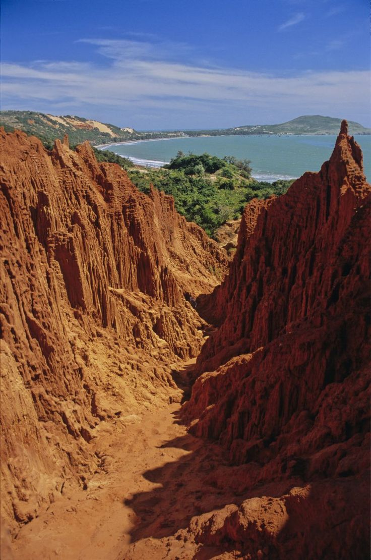 Vietnam's Grand Canyon in Mui ne - Top Sites in Vietnam | The Planet D