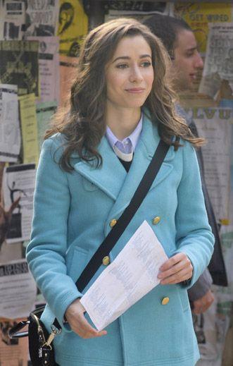 The Mother's sky blue coat on How I Met Your Mother. Outfit Details: http://wornontv.net/26016/ #HowIMetYourMother