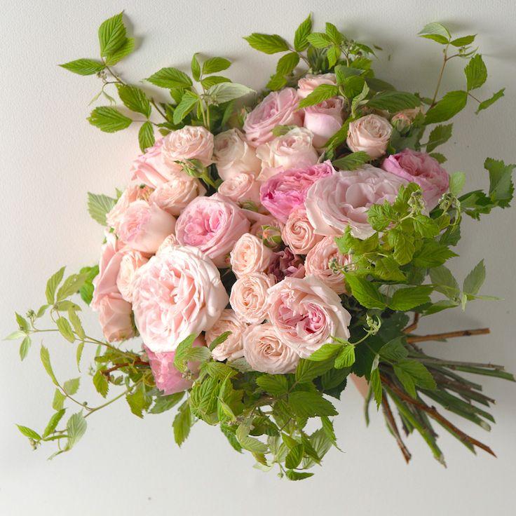 Μπουκέτο με ροζ παλ τριαντάφυλλα