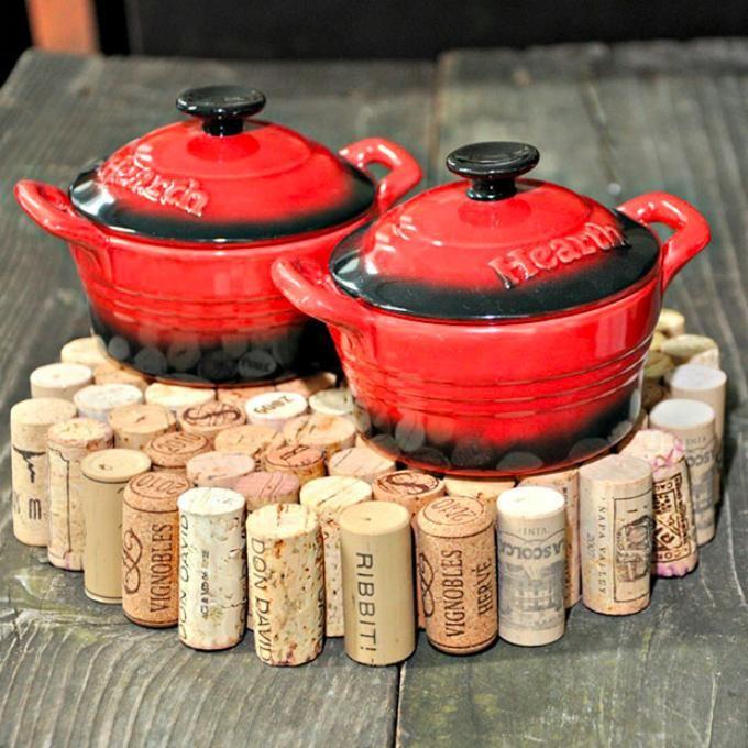 Upcycled-Wine-Corks-DIY-Trivet