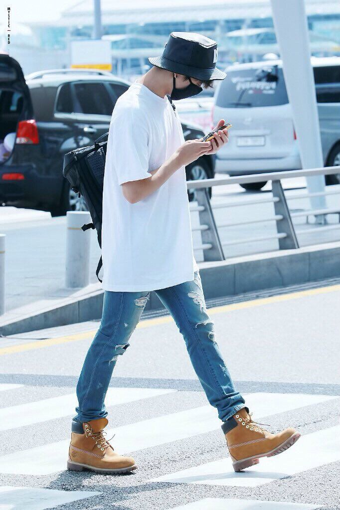 fb1341292121c1 r(slow) on in 2019   mybabies❤   Jungkook timberlands, Bts, Bts airport