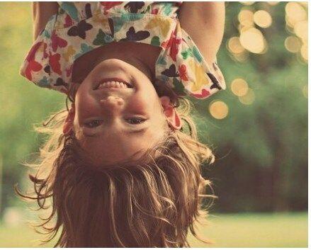 Хочешь быть счастливым — веди себя как счастливый человек. Хочешь быть богатым — веди себя как богатый. Хочешь жить в этом Мире — живи и радуйся, а не ходи с кривым и недовольным лицом, что Мир несовершенен. Мир создаешь ты… в своей голове.http://www.newera-group.net/