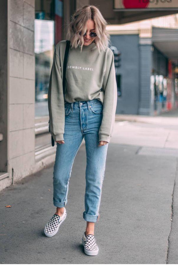 super light sweater-tucked + light but not too light blue (high waist?) jeans