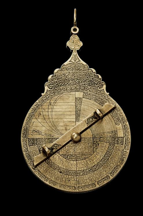 A fine Safavid brass astrolabe, Tabriz, Iran, dated AH 1117-1705-06 AD (verso)