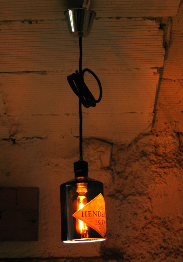 Lámpara botella Ginebra HENDRICK'S / HENDRICK'S Gin Bottle lamp by petsiglass on Etsy