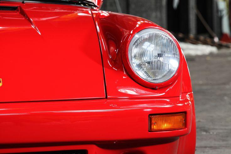 Es war 1973, als Ekkehard ZIMMERMANN die auf Porsche spezialisierte Firma dp motorsport gründete. Im Laufe des 43 jährigen Bestehens hat der Firmengründer zahlreiche Erfolge mit seinen Traumautos eingefahren. Die Karriere-Krönung war zweifelsohne der, in Kooperation mit Kremer Racing errungene..