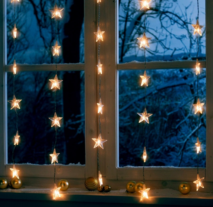 sternenvorhang lichterkette am fenster weihnachten. Black Bedroom Furniture Sets. Home Design Ideas