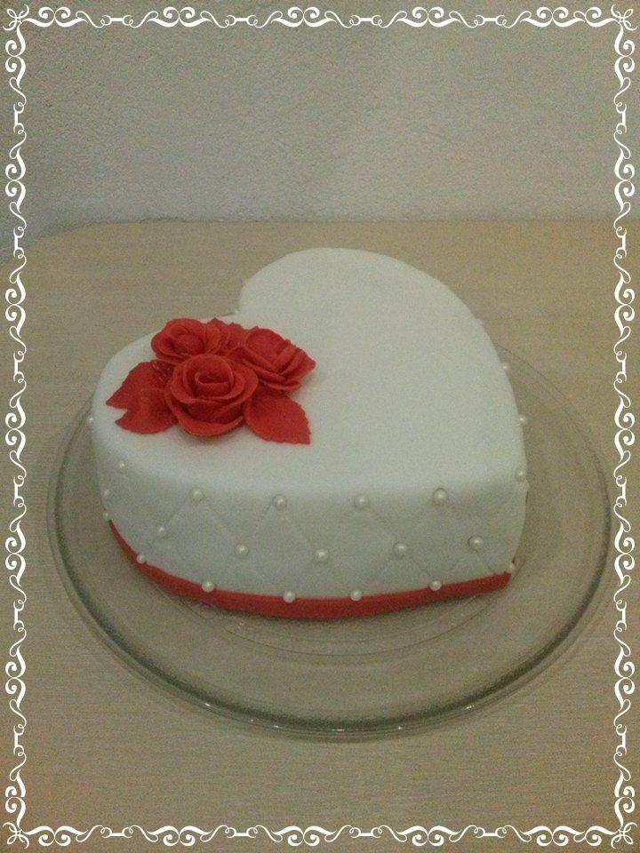 Tort w kształcie serca na Walentynki