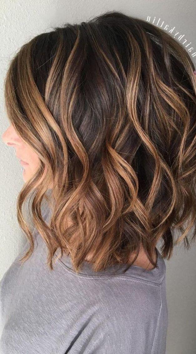 28 Incredible Examples Of Caramel Balayage On Short Dark Brown Hair Short Hair Models Sari Kahverengi Sac Balyaj Sac Kisa Sac