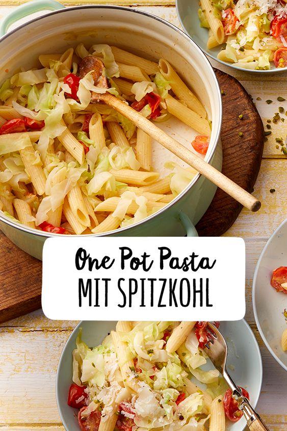 One Pot Pasta mit Spitzkohl  – Pasta kann Alles