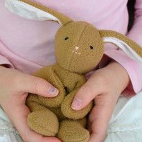 Cute bunny free sewing pattern and tutorial. Great baby gift or Easter gift.