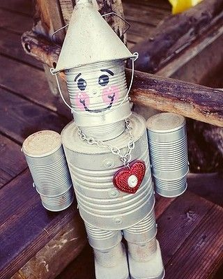 """Decorate the yard or vege patch with a homemade tin man. <br/> (via: <a href=""""http://www.pinterest.com/pin/381609768397960161/"""" target=""""_blank"""">Pinterest</a>)"""