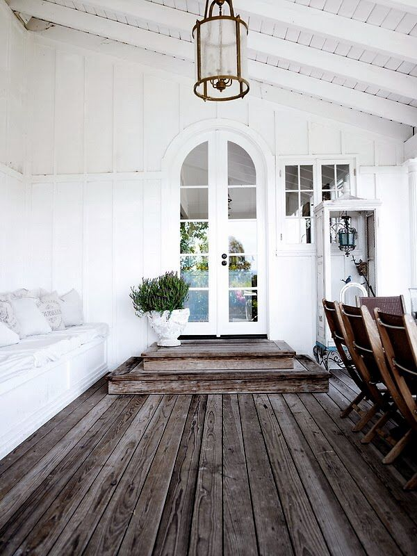 cococozy.com...Love this porch entrance, to this home.