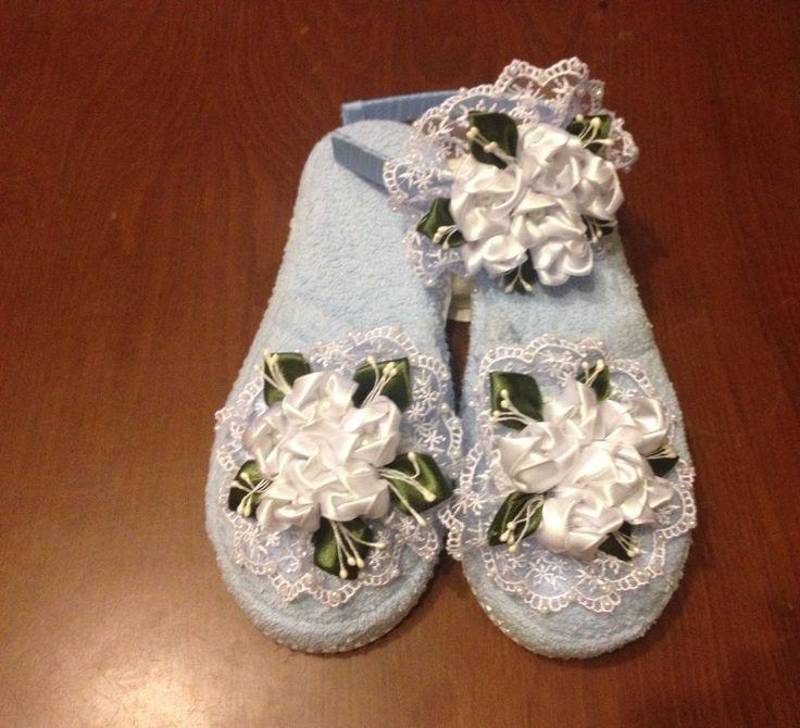 Mavi Beyaz kurdele  çiçeklerle süslediğimiz lohusa terlik ve tacı   İNSTAGRAM  :  @yun_dunyasi  WHATSAPP   :  0530 150 39 26  #anne #bebek #hamile #lohusa #terlik #taç #kurdele #baby #instagram #takip
