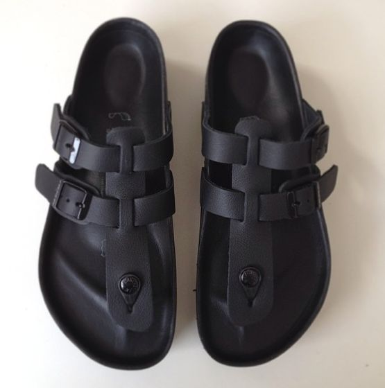 Reminds me of them Bata Kenya sandals that I could not get enough of a few years ago. At least they last.