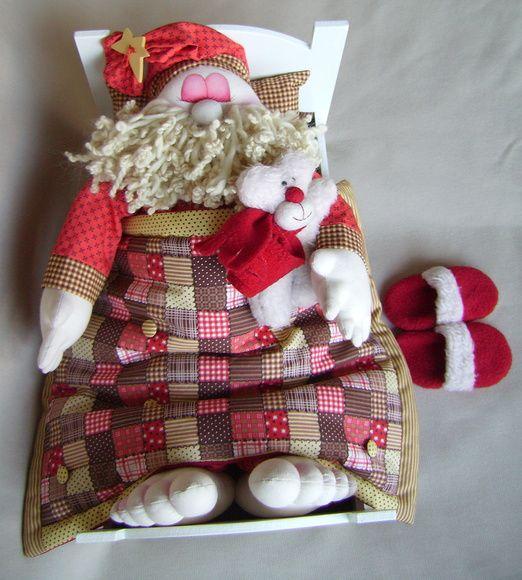 Esta peça acompanha a cama em mdf com colchão, travesseiro, urso, edredon e chinelos.