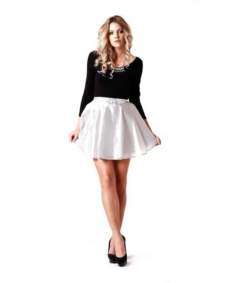 JONTE' PEARLESQUE SKIRT - SILVER  ·     Designed in Perth, Western Australia  ·     Stunning full circle skirt   ·     Made from 100%raw silk fabric in metallic silver colour  ·     Featuring pearl beads in middle front waistband  ·     Skirt has a hidden zip at back   ·     Model wears size 8