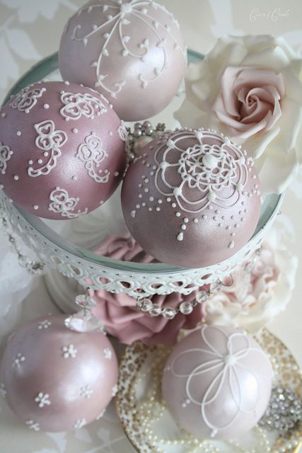 Sphere cakes......wow they look like they should be hanging on a Victorian Christmas Tree