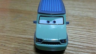 Toy / Game Disney / Pixar 1:55 Scale Die Cast Vehicle CARS 2 Movie  Die Cast