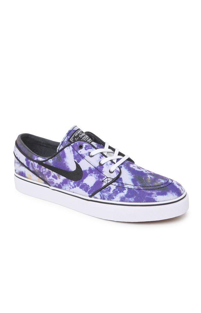 From the mind of a legend comes the Nike Stefan Janoski Skateboarding Shoe.