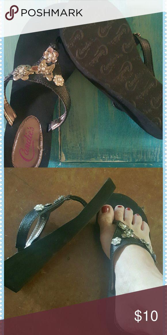 Ladies wedge sandal flip flops Black wedge flip flop with silver detail, never worn, size 5. Candie's Shoes Sandals