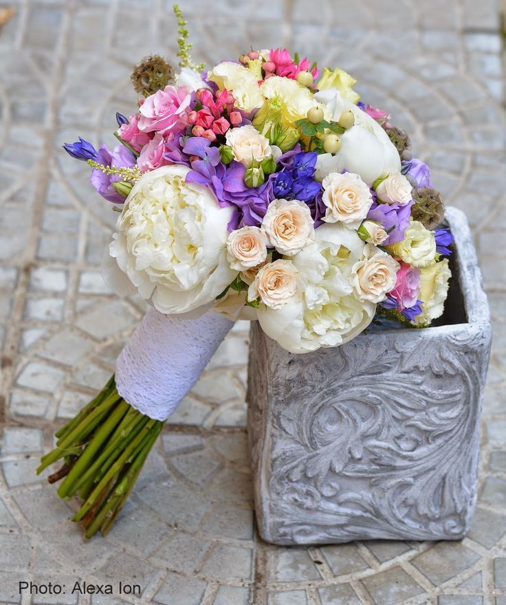 Flowers Garden Weddings: Buchet de mireasa