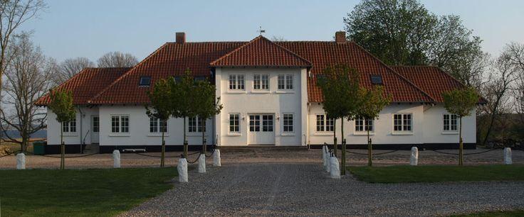 Sebber Kloster hvor Mary Kirstine Jensen (Dahl) arbejdede for  fru Signe Svanholm