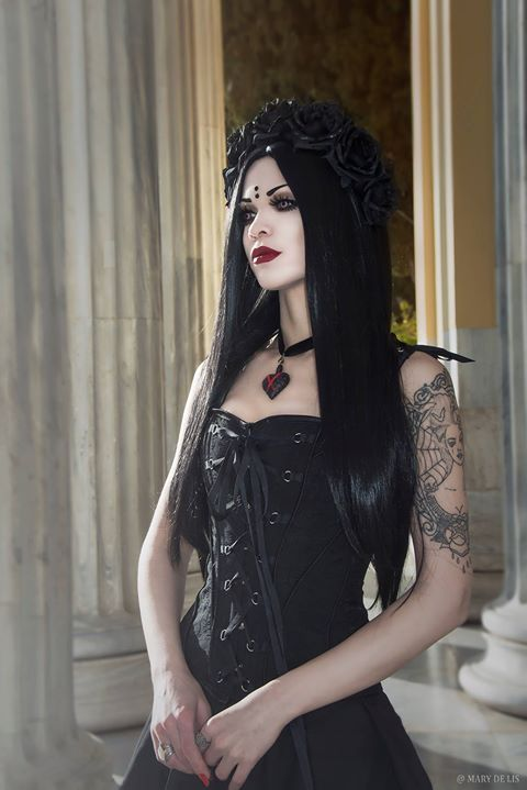 Model: Mary De Lis Corset:Corset-Story/Necklace:DDeluxsus Contact Lenses: Pastel-Dreams Welcome to Gothic and Amazing |www.gothicandamazing.com