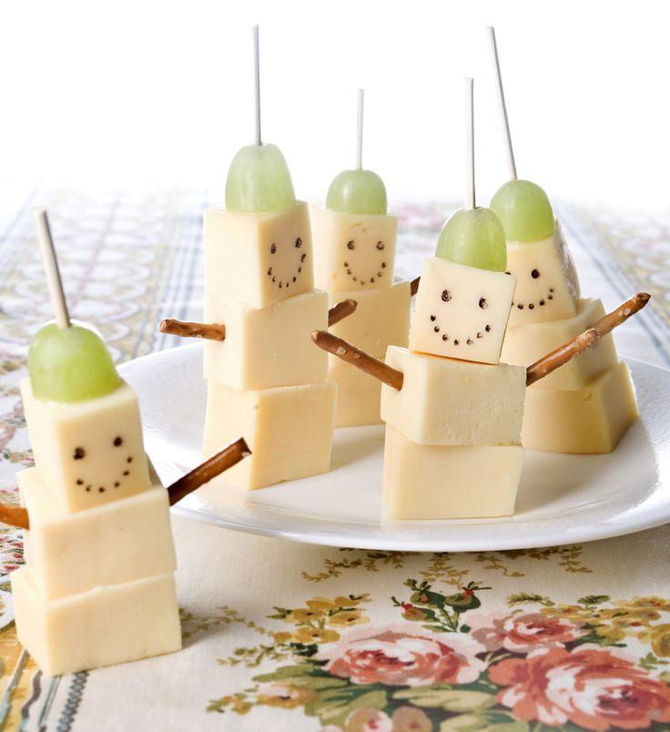 Leuk om te maken en uit delen, maar ook lekker om te eten: kaaskoppies!