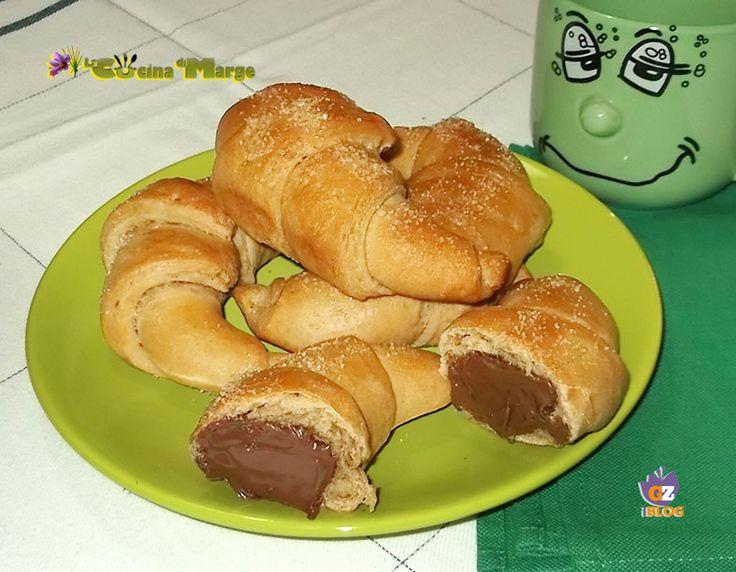 Croissant+al+caffè+con+Nutella-ricetta+senza+uovo