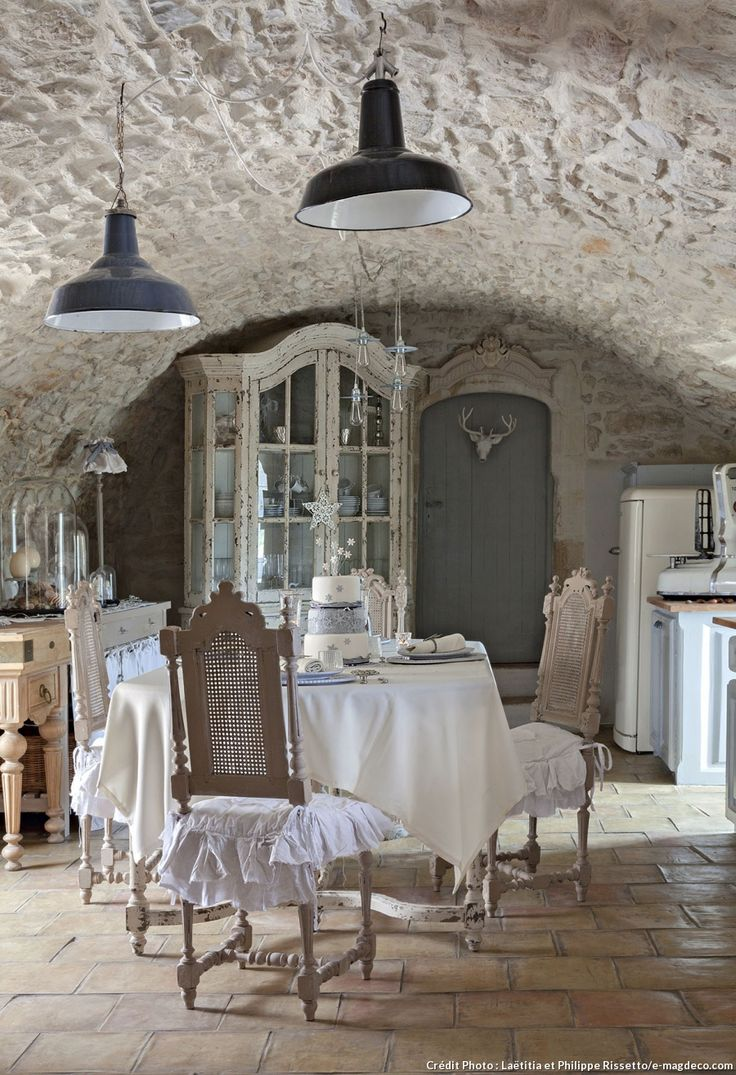 Une ancienne magnanerie au style shabby chic