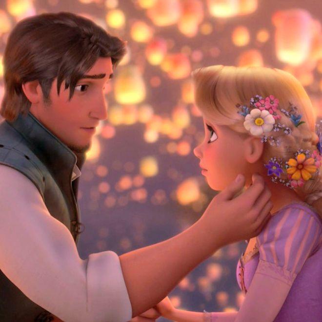 10 Romantic Disney Moments