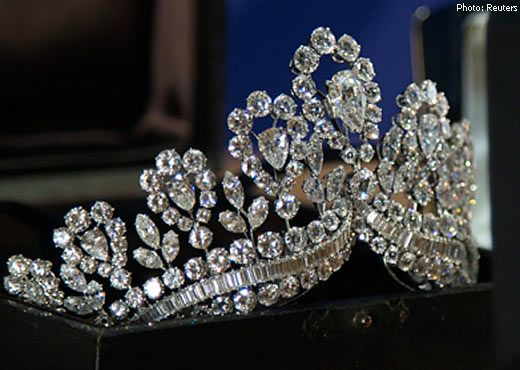 The Eva Peron tiara, was recently sold at auction.. This is a great picture that shows the detail...