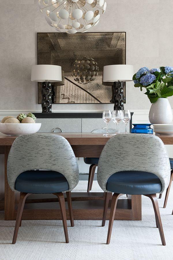 Contrasting fabric is nice on these Saarinen armless chairs. // BRIDGEHAMPTON