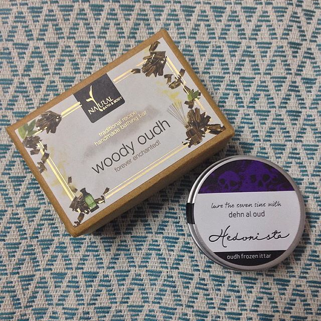 I have become a big fan of anything Oudh-scented courtesy @myenvybox_india that sent a @hedonistaindia Oudh Frozen Ittar in the August box and @msmboxindia from whom I purchased the Woody Oudh handmade bathing bar from the brand #NaturalBathAndBody - Smells so goooood - Any recommendations of other Oudh scented products would be greatly appreciated. #Oudh #preetisunaina