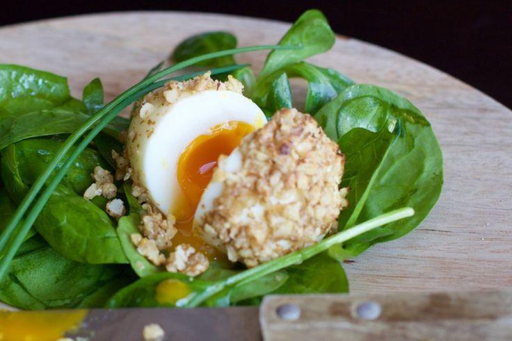 Une recette inratable de Oeufs mollets en robe de noix Thermomix sur Yummix • Le blog culinaire dédié au Thermomix !